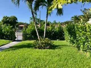 812 Lakewood Road, West Palm Beach, Florida 33406, ,Duplex,For Sale,Lakewood,RX-10360398