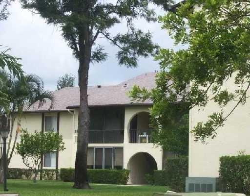 3530 Pine Needle Drive B-1, Greenacres, FL 33463