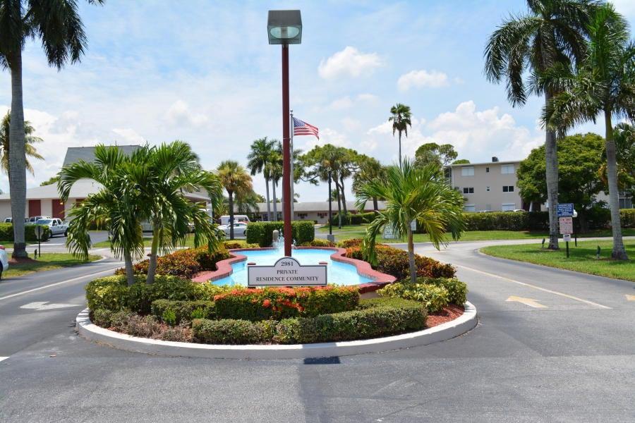 2647 Garden Drive N 104, Lake Worth, FL 33461