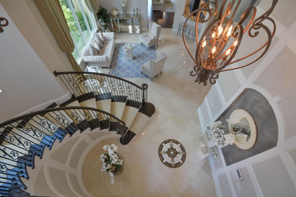 Upstairs Landing to Entry Foyer