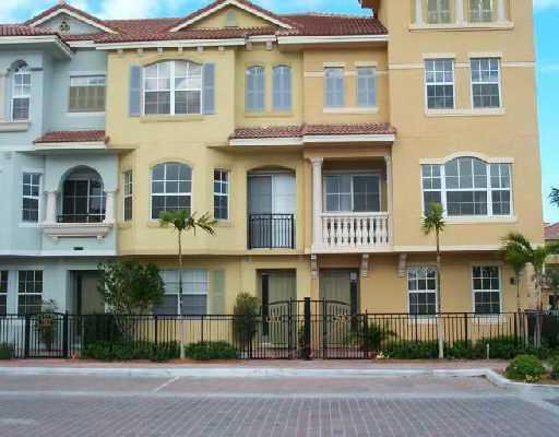2716 Ravella Way, Palm Beach Gardens, FL 33410