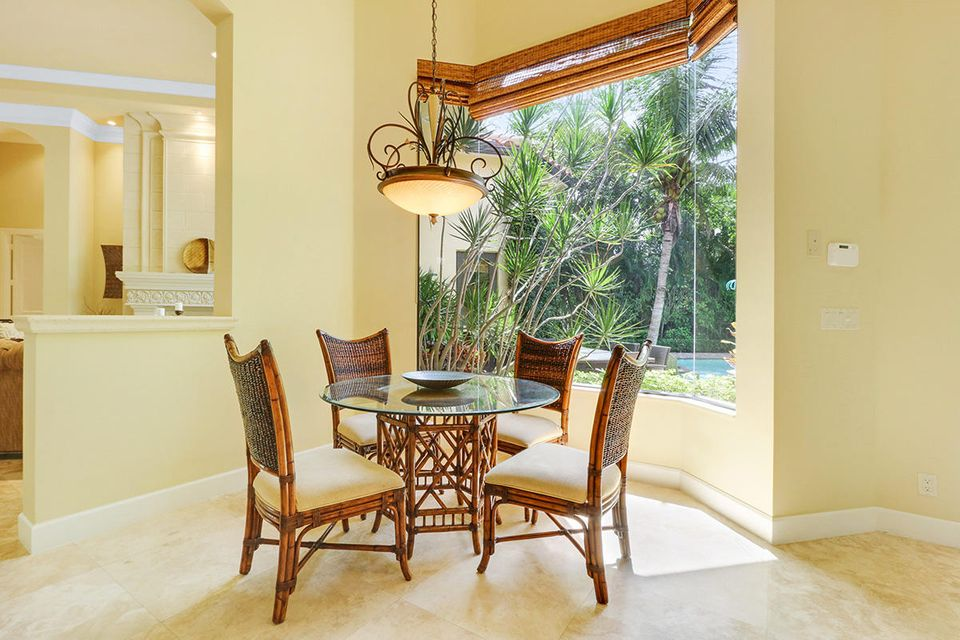 10 Breakfast Nook