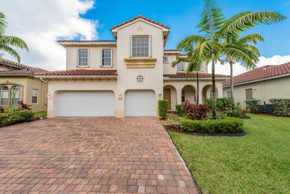 713 Cresta Circle, West Palm Beach, FL 33413