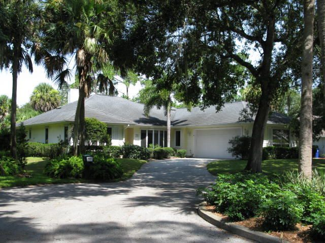735 SW 35th Avenue, Vero Beach, FL 32968