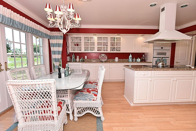 Breakfast Nook-Kitchen