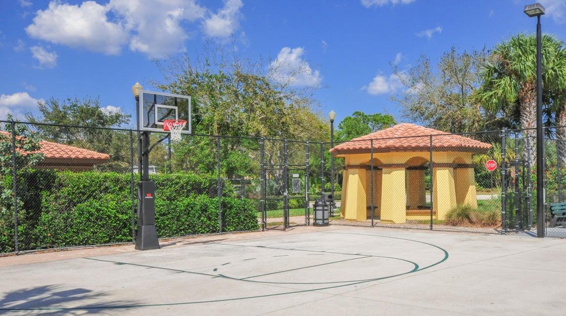 17-basketball_9949