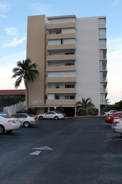 3580 S Ocean Boulevard 9c, South Palm Beach, FL 33480