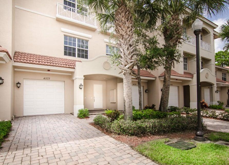 4577 Artesa Way S, Palm Beach Gardens, FL 33418