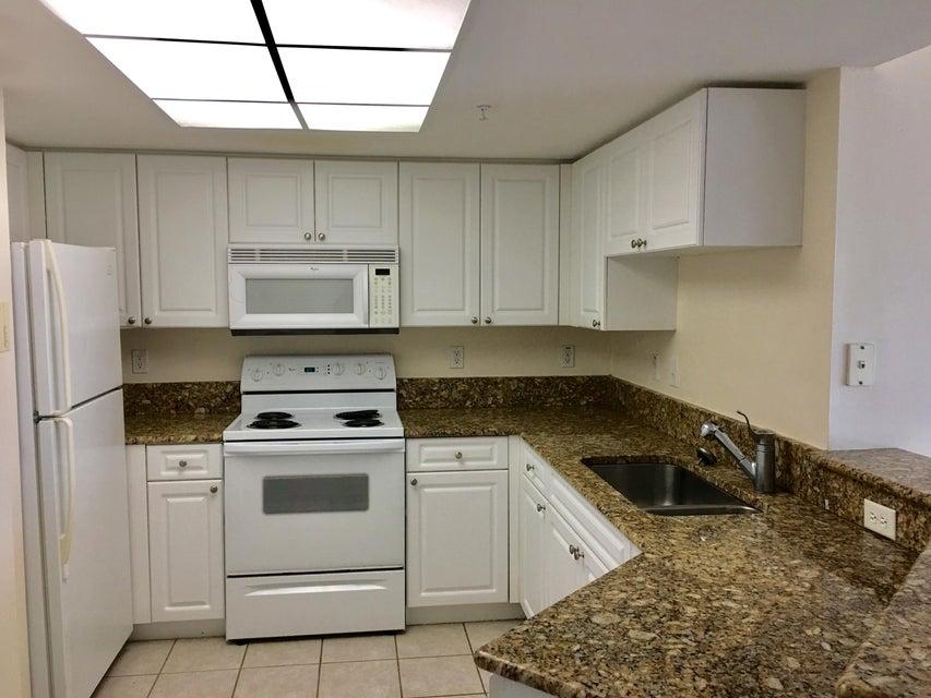 300 N Crestwood Court Unit 318 Royal Palm Beach, FL 33411 - MLS #: RX-10363332