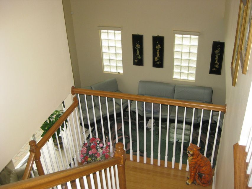 5 3 in thoroughbred lakes for sale 409 000 for What is the square footage of a 15x15 room