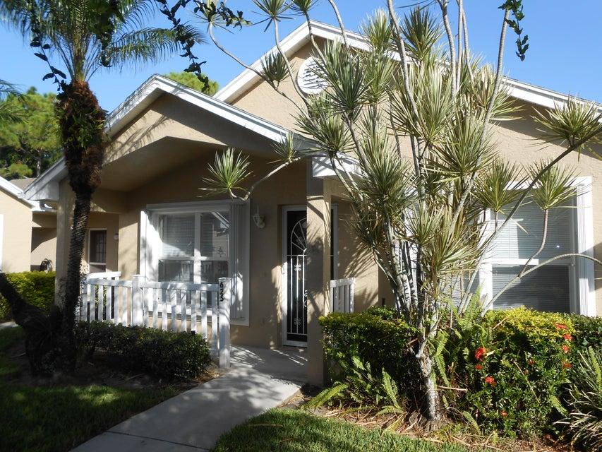 625 NW San Remo Circle, Port Saint Lucie, FL 34986