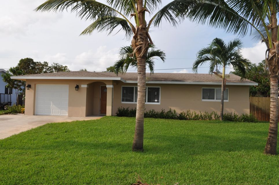 1057 SW 27 Place, Boynton Beach, FL 33426