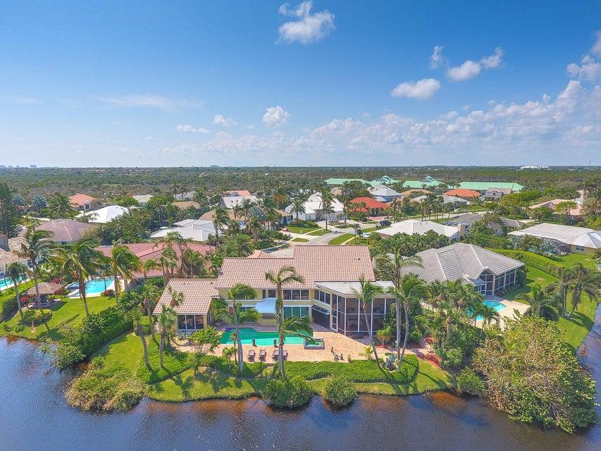 Image of waterfront home in 122 Olympus Circle Olympus Jupiter FL