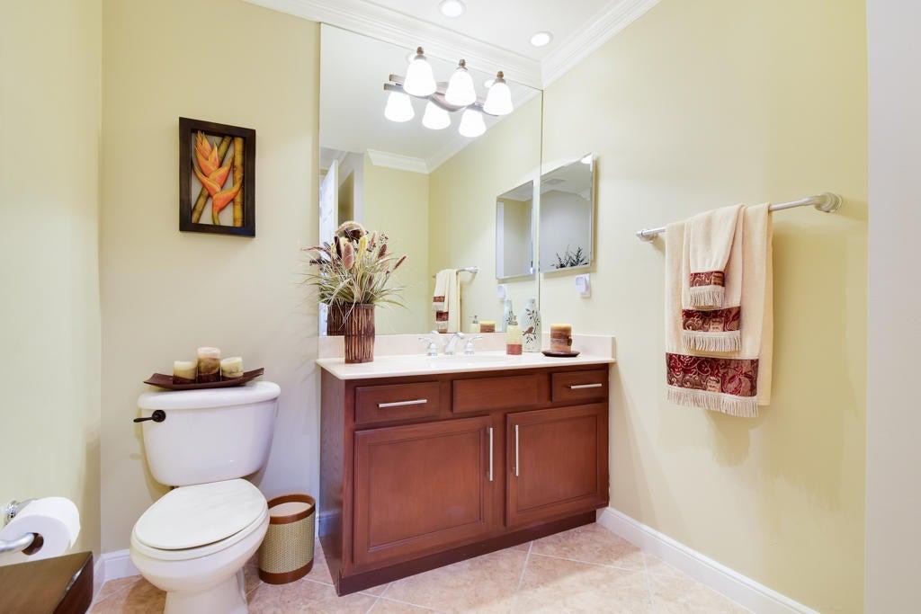 1/2 Bath / Powder Room