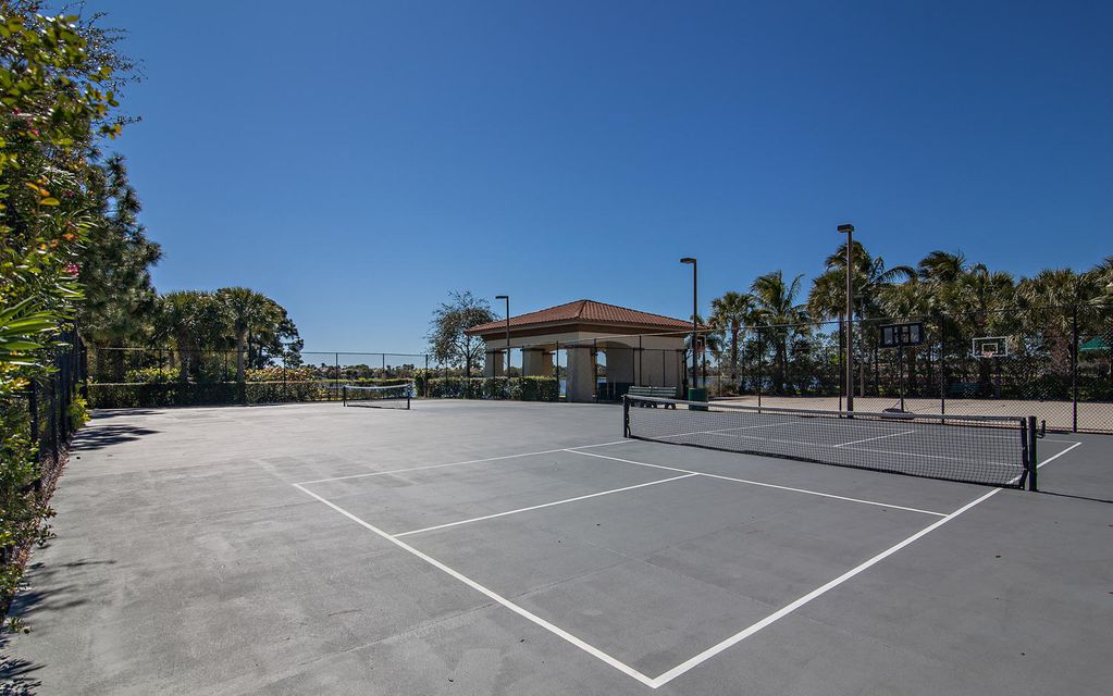 Community Clubhouse Pickle Ball Courts