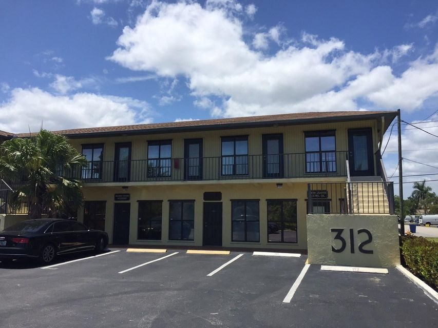 Prime location condo office unit, 550sf with 3 rooms and private bathroom.  Front and rear entrances located in the heart of Jupiter close to I-95, Turnpike, nearby restaurants, shops, etc.   Tenant in place for 2 years, 7.5% CAP owner managed.  This 550sf office space is located on the 1st floor with designated parking space outside front door.  Only $80/month condo fee.  AC replaced in 2016.