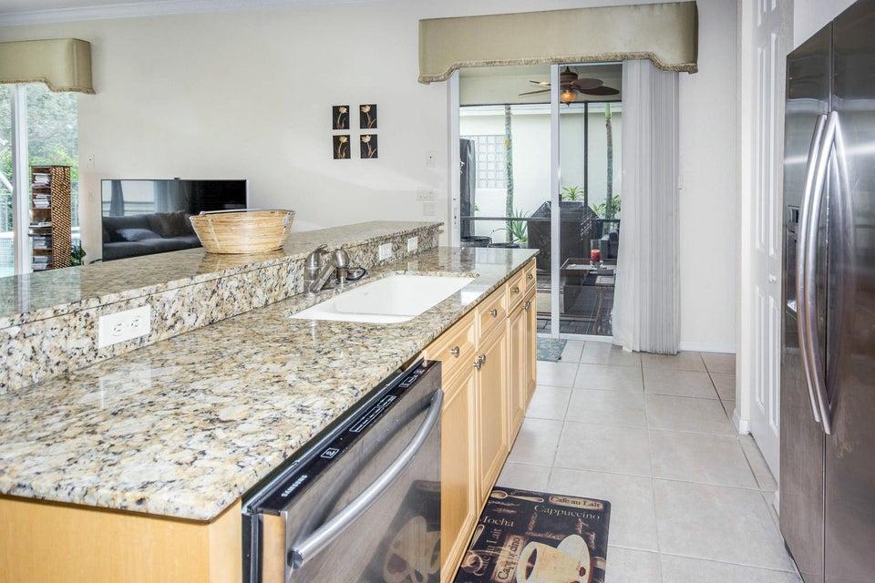 213 Isle Verde Way Palm Beach-large-015-