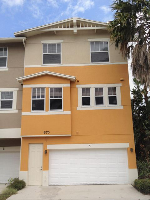 Stunning 4 bed, 3.5 bath, 2 car garage end unit in CitySide. 1st time on market since original build. Centrally located building within the community, near the lake, clubhouse & pool. Original owner occupant takes great pride in this townhouse & it is reflected throughout. Upgraded kitchen package w/ 42'' light cherry shaker style cabinets, granite counters & subway tile backsplash.  Rich wood floors and neutral walls create an inviting tone in the main living area. Newer faucets in all bathrooms. Master bedroom walk-in closet.  Additional master bedroom / in-law suite with full bath on 1st floor. New easy-open impact windows installed 2014. Shows extremely well.  Won't disappoint.