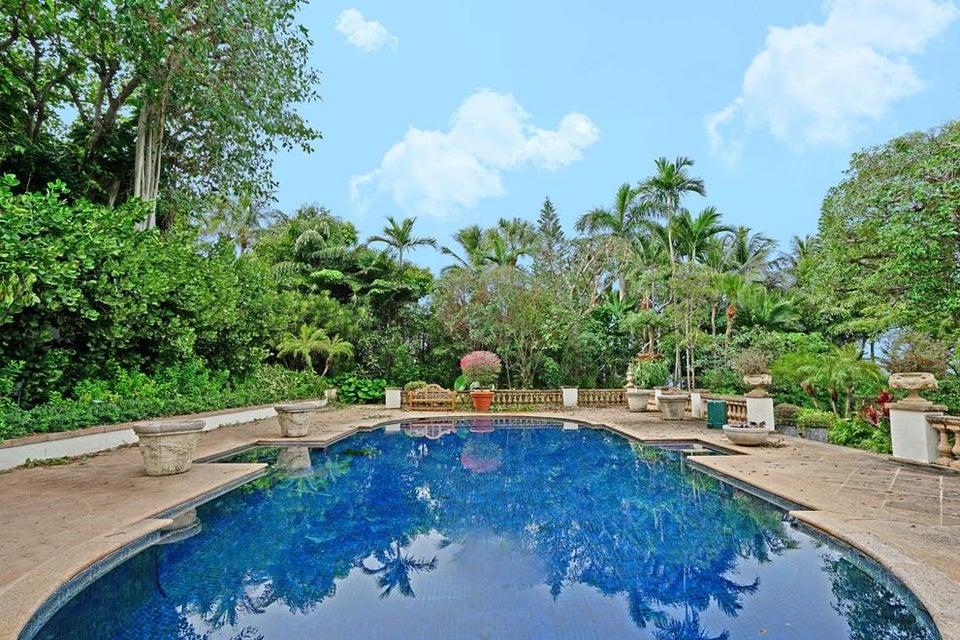 Pool & entertaining deck