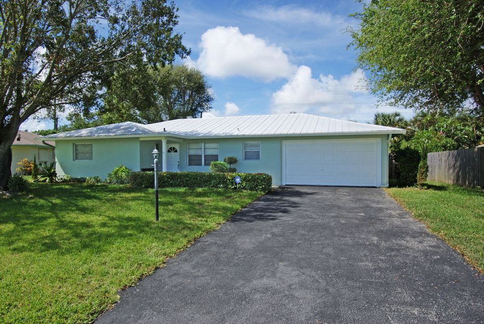 Outstanding home in desirable Riverside Drive Park subdivision - 2BR/2BA home plus den/office with open floor plan - Metal roof - Updated kitchen & bathrooms - Covered and open patios with fenced in backyard - 1 car garage -Very clean unit that shows nicely!  Seller is a Florida Licensed Real Estate Broker!