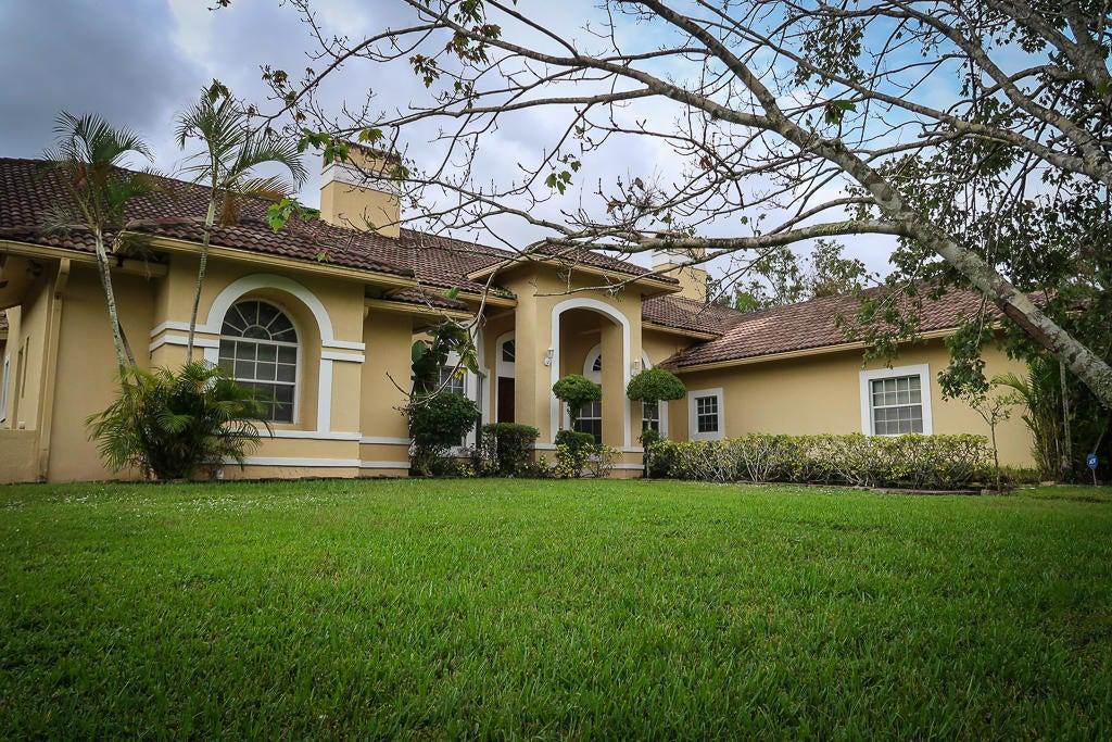 8852 154th Court N, Palm Beach Gardens, FL 33418