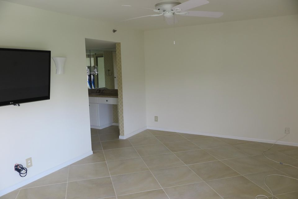 7564  Regency Lake Drive #601 Boca Raton, FL 33433