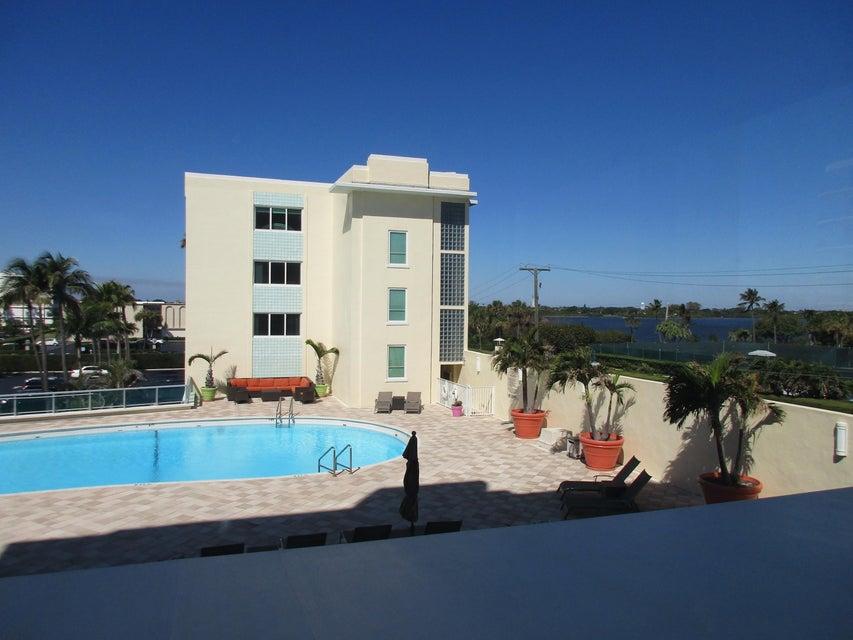 2730 S Ocean Boulevard 201, Palm Beach, FL 33480