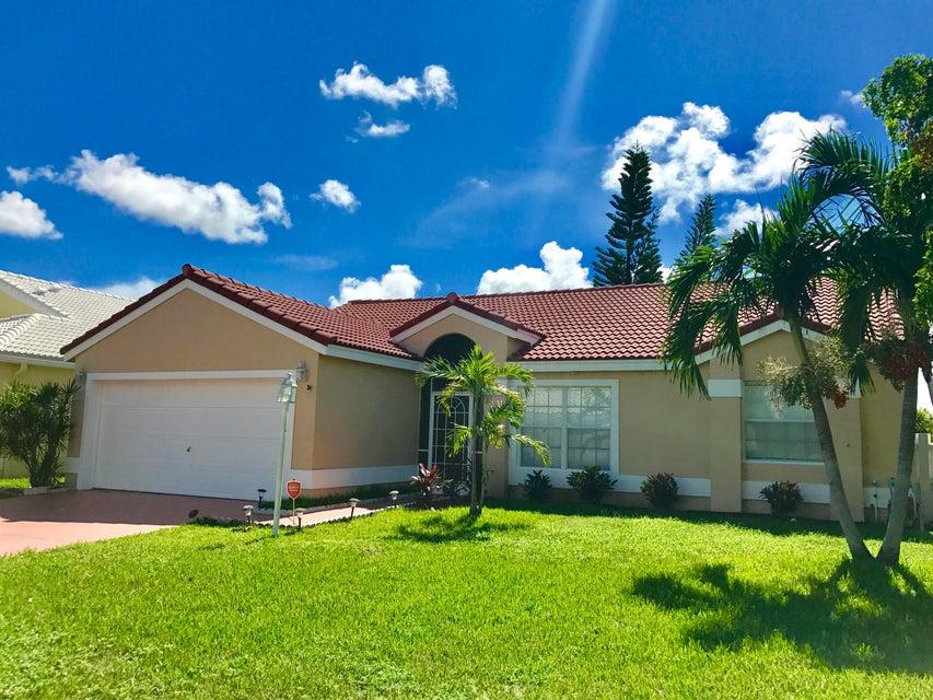 4917 Broadstone Circle, West Palm Beach, FL 33417