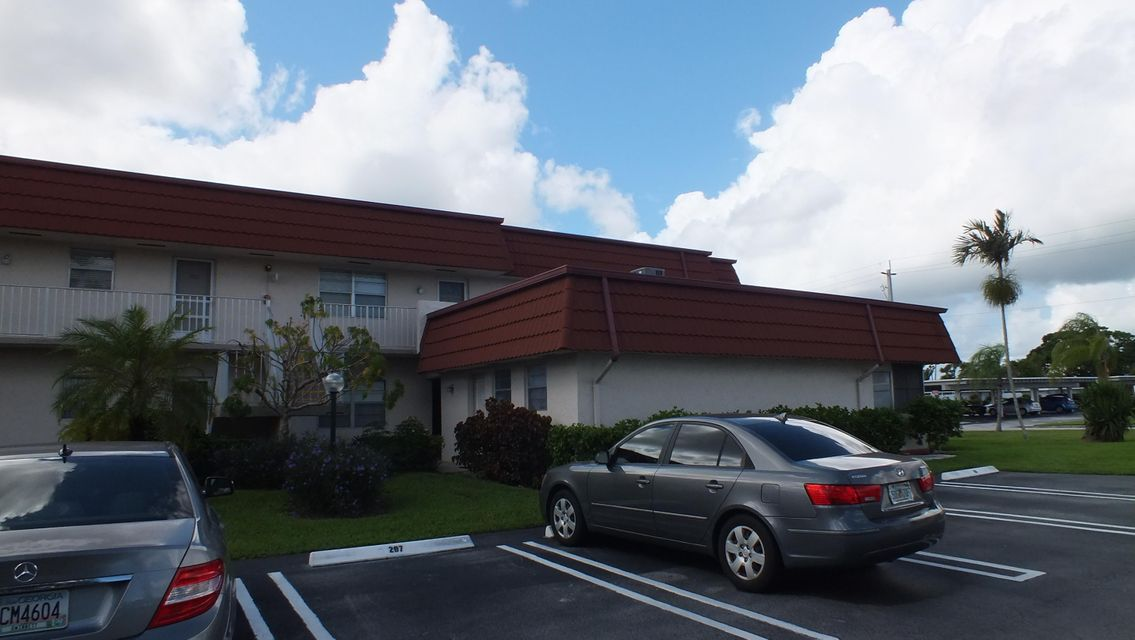 12009 Poinciana Boulevard 209, Royal Palm Beach, FL 33411