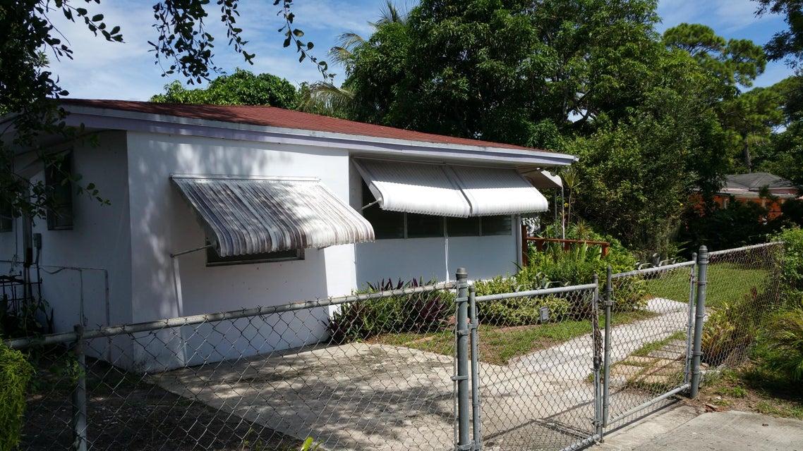 2477 NW 99th Terrace, Miami, FL 33147