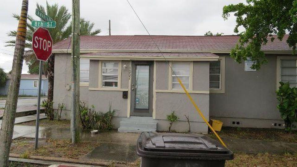 1002 8th Street, West Palm Beach, Florida 33401, ,Duplex,For Sale,8th,RX-10377631