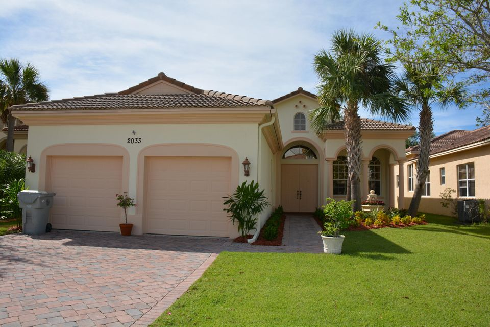 2033 Plainfield SW, Vero Beach, FL 32968