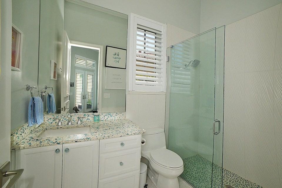 Private Bath bath 2
