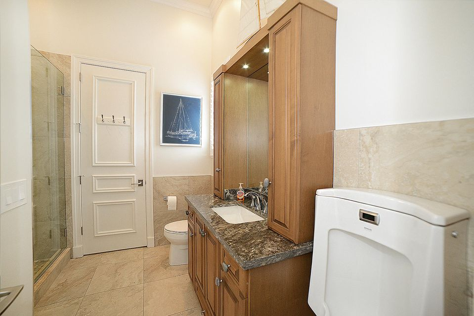 Bedroom 3 & 4 Bath