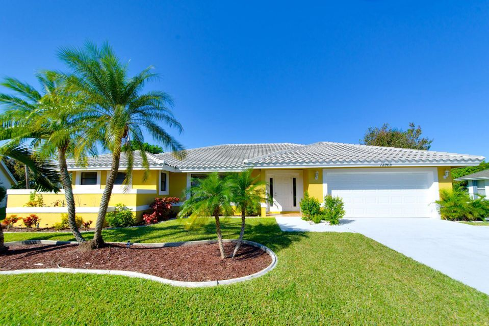 13965 Sheffield Court, Wellington, Florida 33414, 3 Bedrooms Bedrooms, ,2 BathroomsBathrooms,Single Family,For Sale,Sheffield,RX-10379421