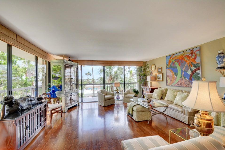 3390 S Ocean Boulevard 201, Palm Beach, FL 33480