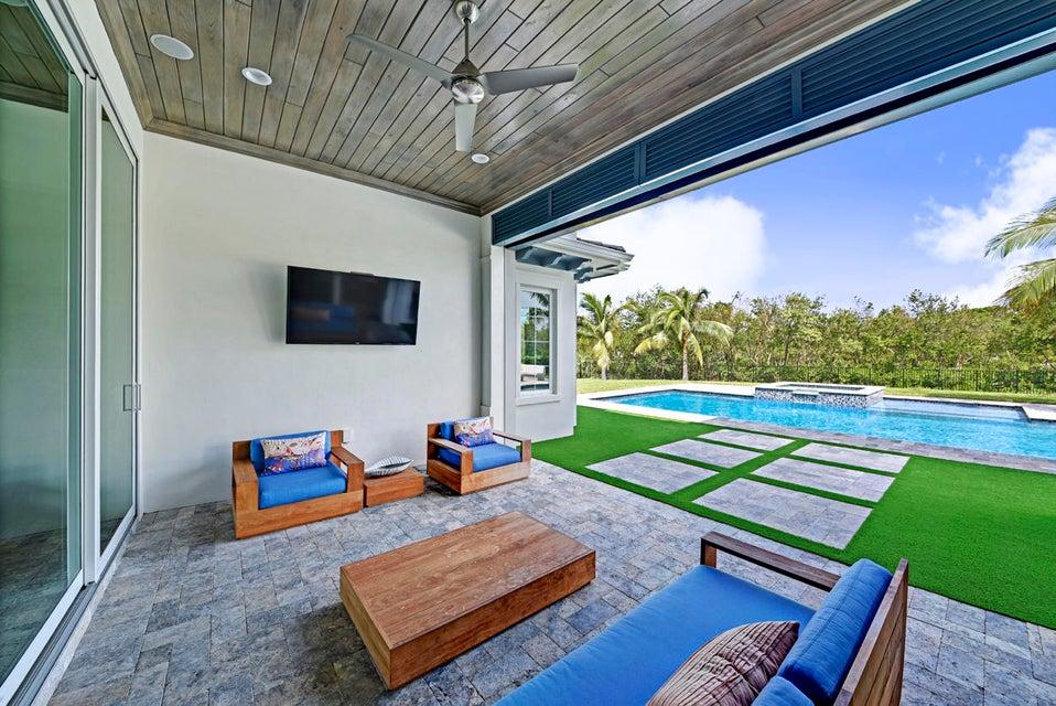 Cabana Patio Sitting