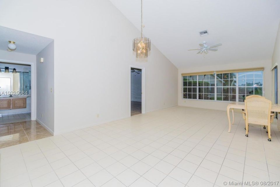 277 Moccasin Trail Jupiter, FL 33458 - MLS #: RX-10380857