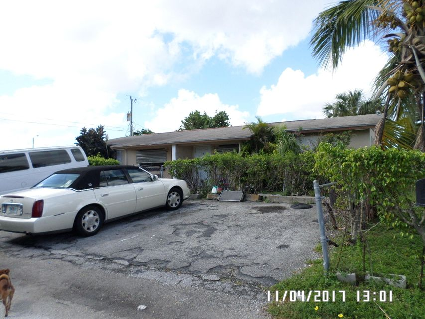 4939 Paetzold Drive, Lake Worth, Florida 33461, ,Duplex,For Sale,Paetzold,RX-10383429