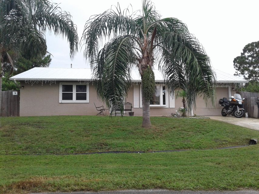256 NW Biltmore Street, Port Saint Lucie, FL 34983