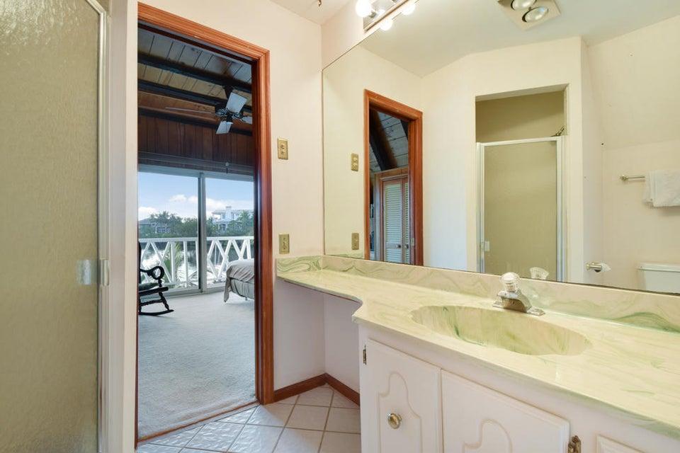 Loft Bathroom 2