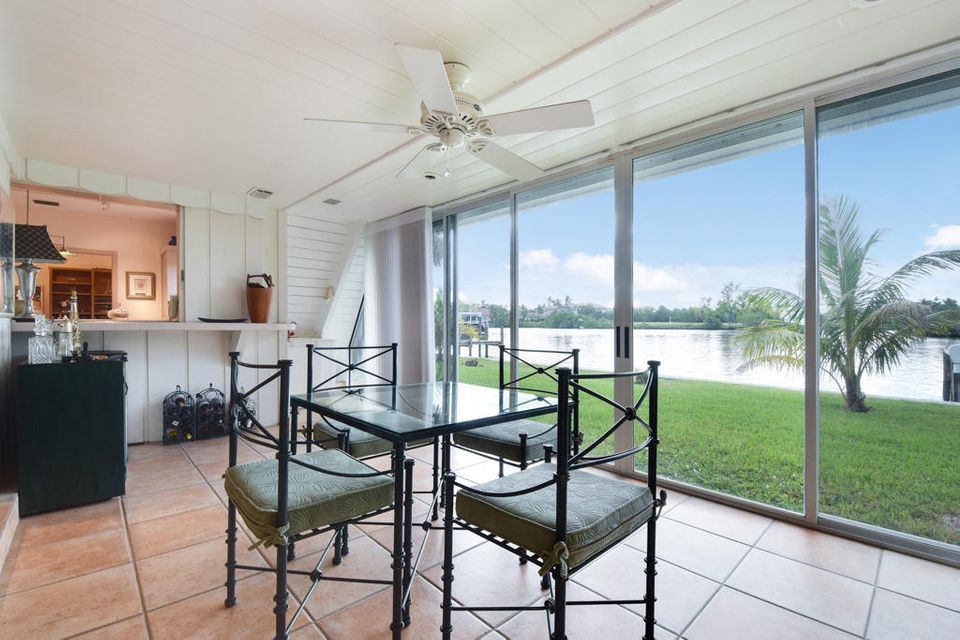 Sunroom with View 2