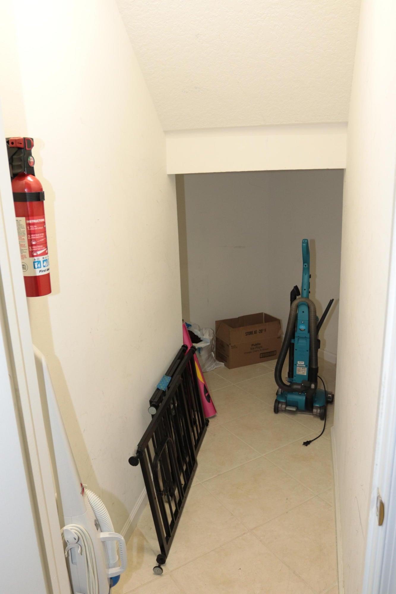 Closet understaircase 1
