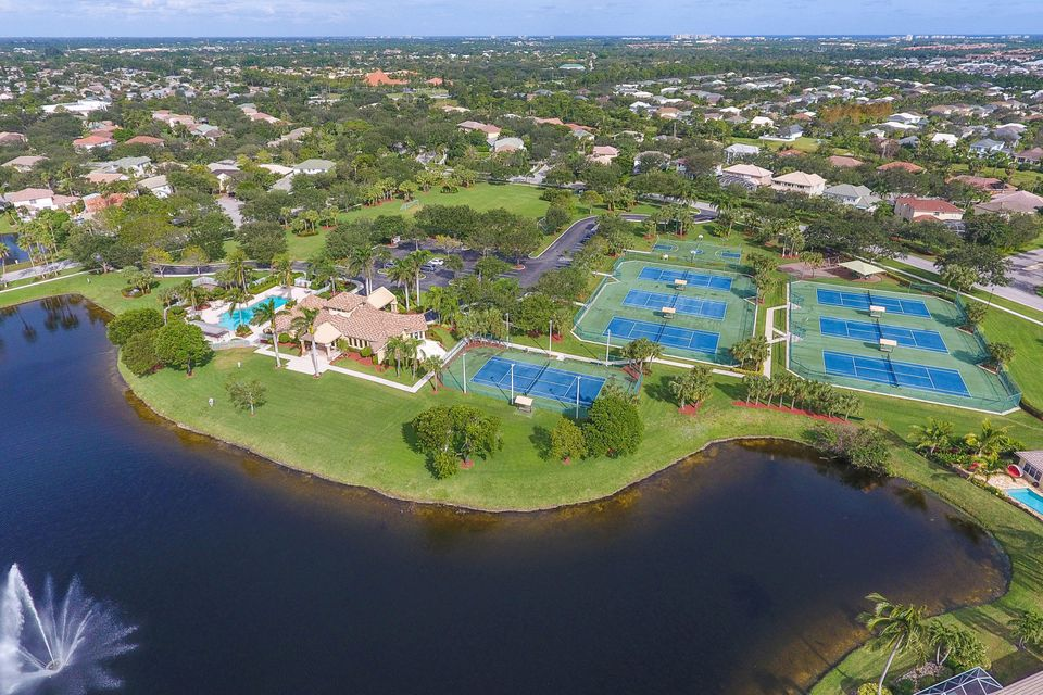 Egret Landing lakeview clubhouse Aerial
