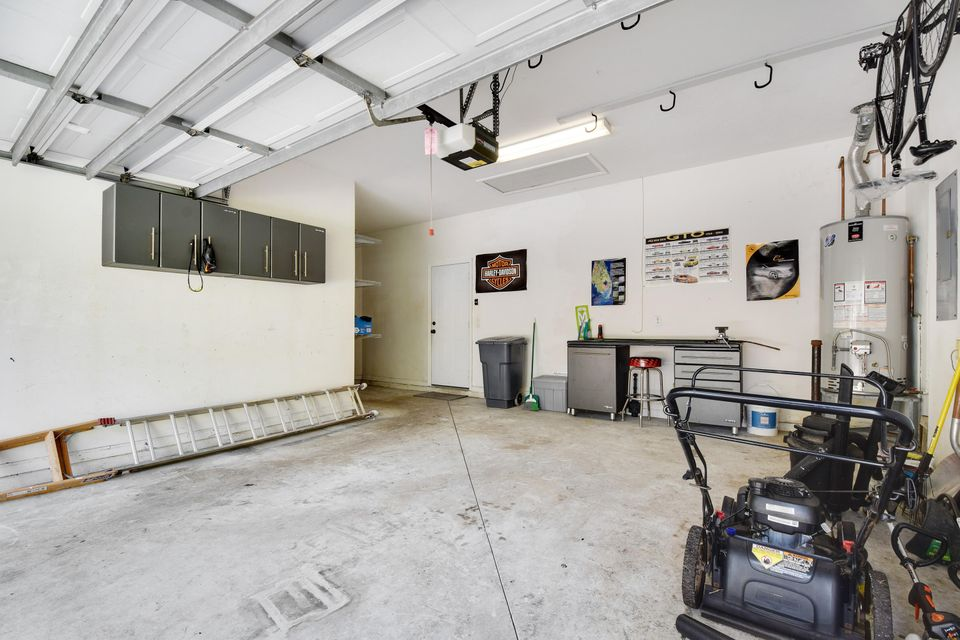 Garage - 2 cars