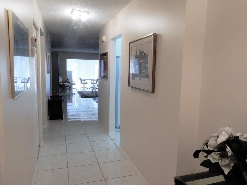 8320 Casa Del Lago