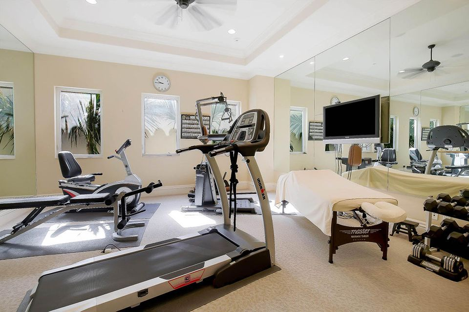 21 Exercise Room
