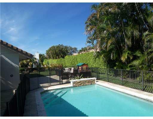 3005  Canterbury Drive Boca Raton, FL 33434