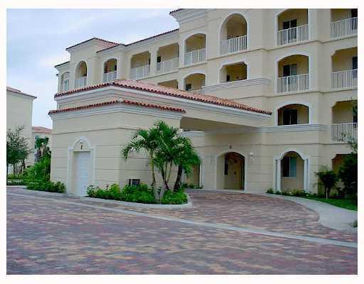 8 Harbour Isle Drive E 103, Fort Pierce, FL 34949