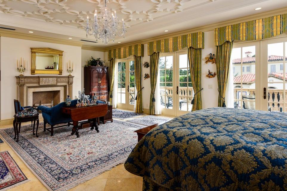 10 Master Bedroom